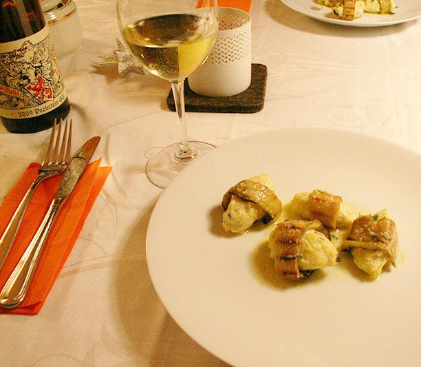 Ricottagnocchi-aubergina-salbeibutter-angerichtet